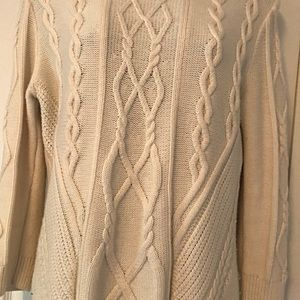Ann Taylor 3/4 sleeves cream sweater